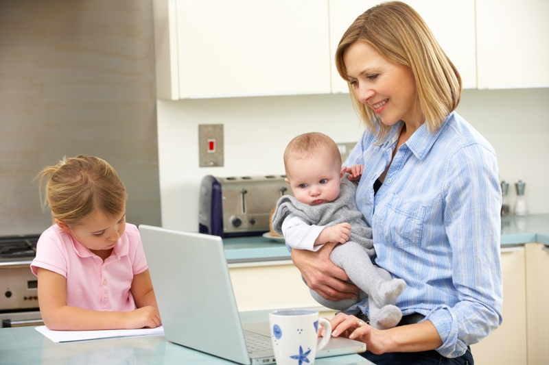 Praca na urlopie rodzicielskim 2016/ Fot. Fotolia